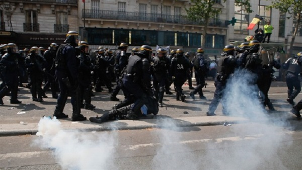 The Reference: French police clash with May Day protesters on Paris