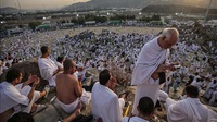 Muslims at haj gather